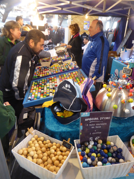 A vendor in France.  Photo courtesy of Arsene Dupin of the Heart of Texas Petanque Club.